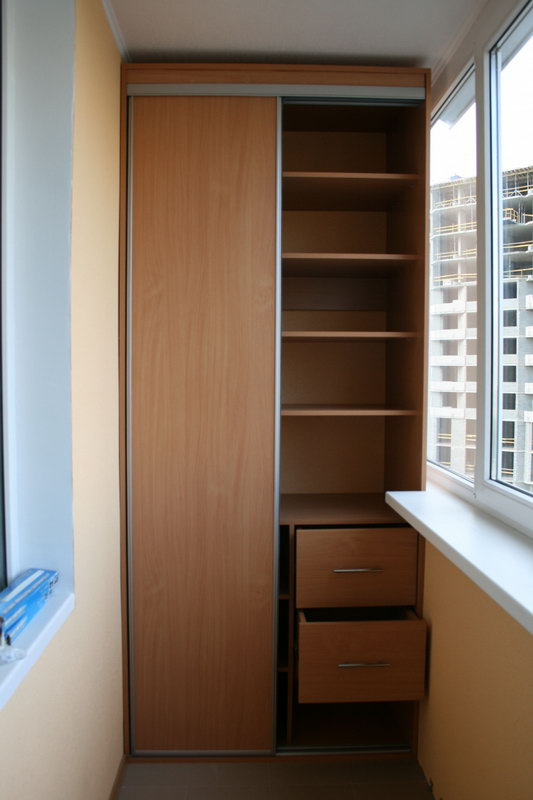 Заказать недорого шкаф на балкон в красноярске. шкафы для ло.